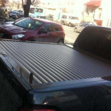 Установили защитную роллету на кузов пикапа в Симферополе 14