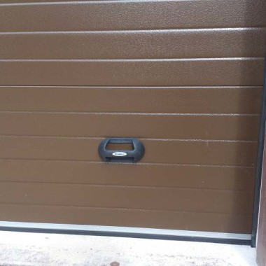 Секционные ворота в гараже частного дома в Керчи 09