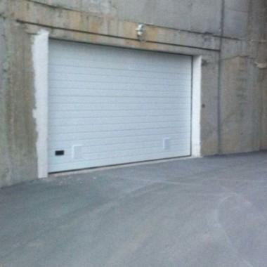 Секционные ворота в подземном паркинге в Гурзуфе 03