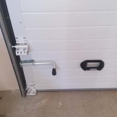 Секционные ворота в гараже частного дома в Керчи 04