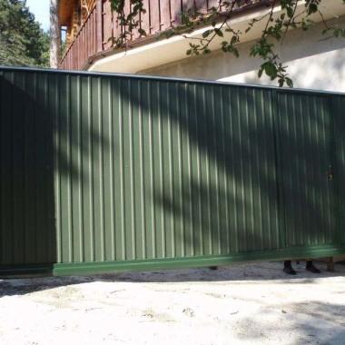 Автоматические откатные ворота с калиткой в Ялте 08