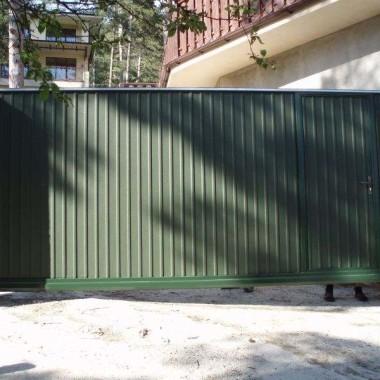 Автоматические откатные ворота с калиткой в Ялте 03