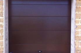 Секционные гаражные ворота ДорХан с боковыми пружинами, село Укромное