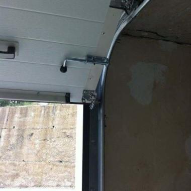 Секционные ворота в подземном паркинге в Гурзуфе 04