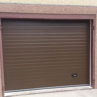 Секционные гаражные ворота. Частный дом в Керчи 05