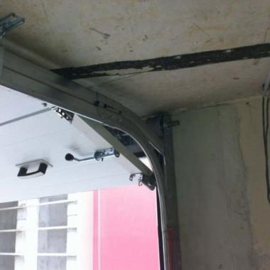 Секционные ворота в подземном паркинге в Гурзуфе 13