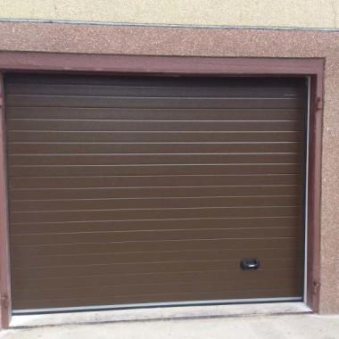 Секционные гаражные ворота. Частный дом в Керчи 06