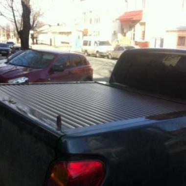 Установили защитную роллету на кузов пикапа в Симферополе 10