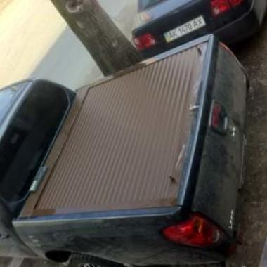 Установили защитную роллету на кузов пикапа в Симферополе 08