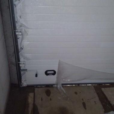 Секционные ворота. Паркинг в строящейся гостинице в Никите 08