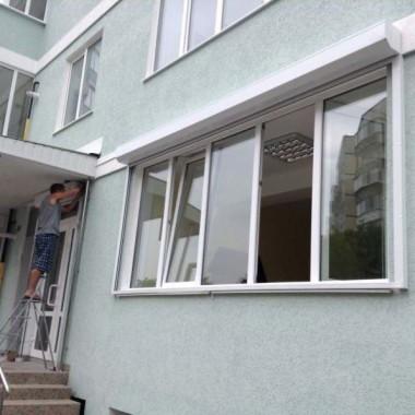 Роллеты на окне и двери детского сада в Симферополе 02