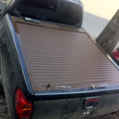 Установили защитную роллету на кузов пикапа в Симферополе 09