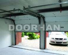 впрочем и в других городах, будет немного выше. Но комфорт того стоит! «DoorHan» — гаражные секционные ворота: автоматические, с ручным управлением
